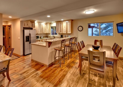 Lodging in South Lake Tahoe - Kitchen and Dining
